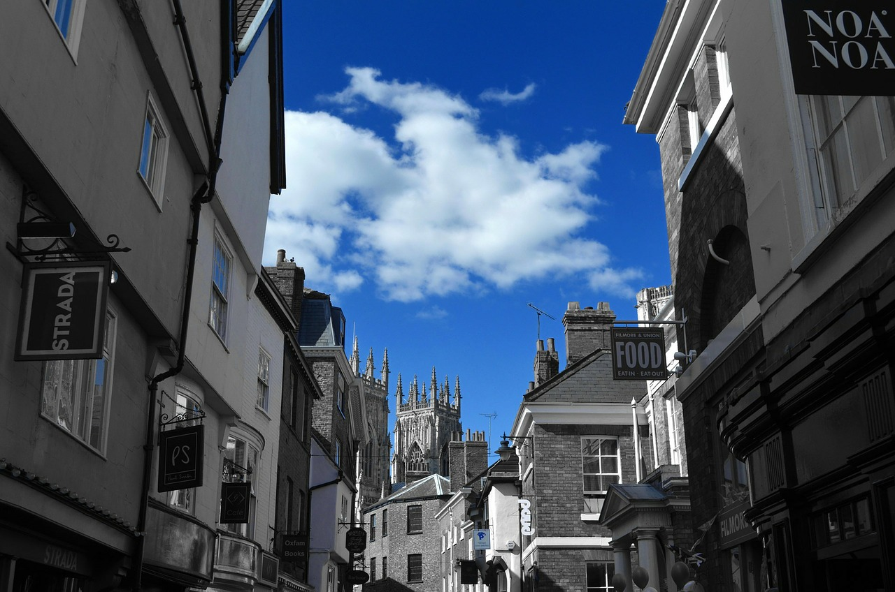shambles in york, best things to do in york, york itinerary, stuff to do in york, what to do around york, york castle, cliffords tower