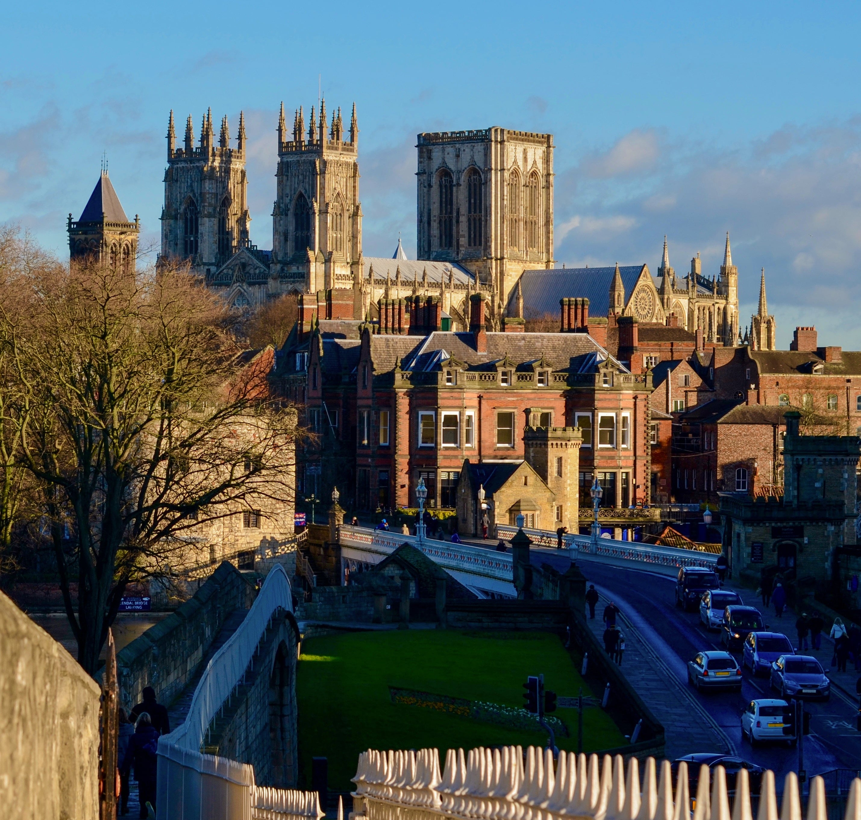 york walls, best things to do in york, york itinerary, stuff to do in york, what to do around york, york castle, cliffords tower