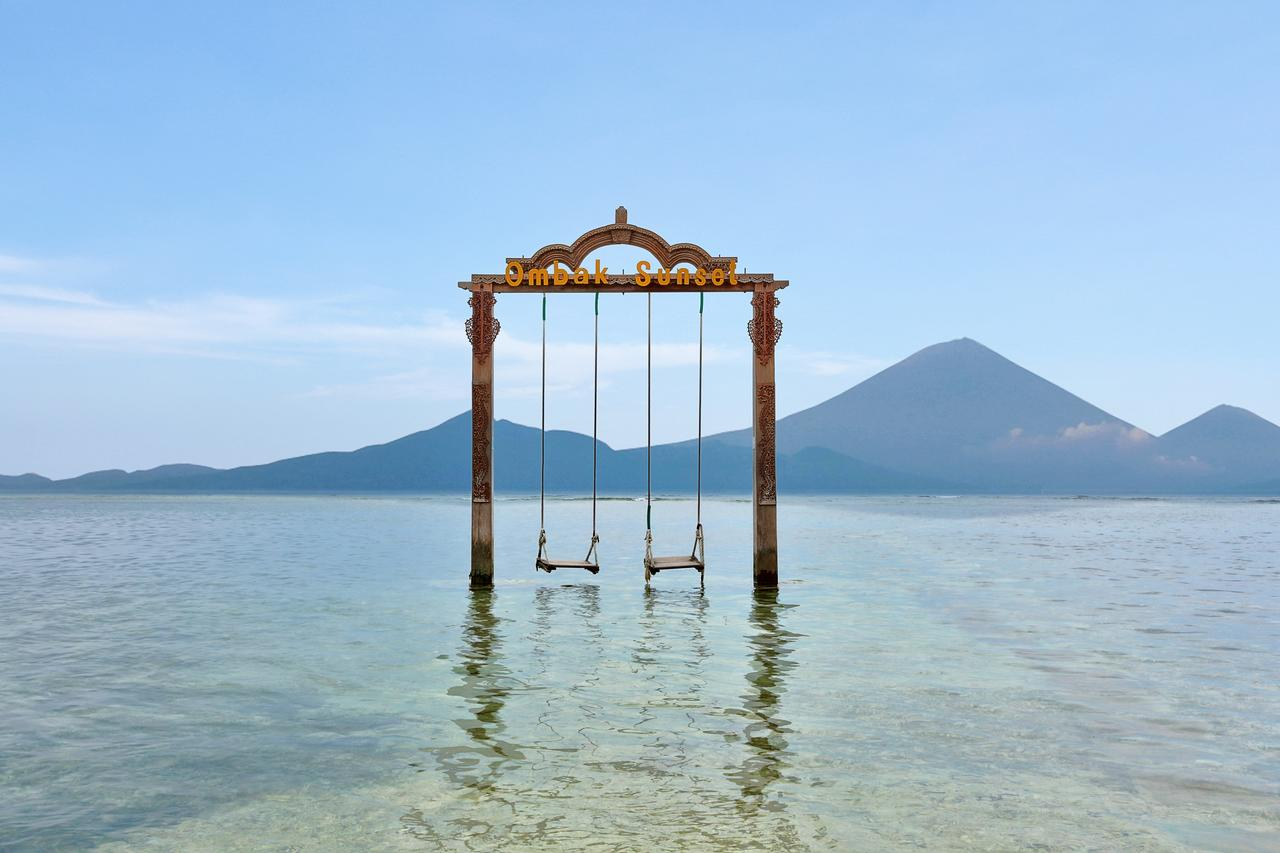 Things to do in Gili T -the amazing Gili T swing