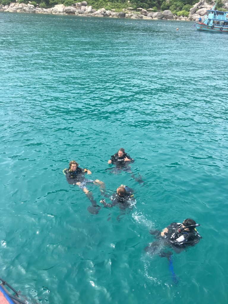 best-koh-tao-diving-school-dive-team