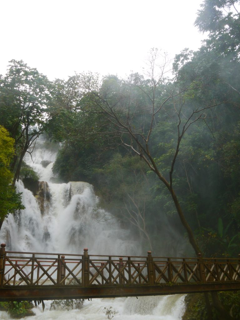 how to do the Kuang Si Falls in Luang Prabang