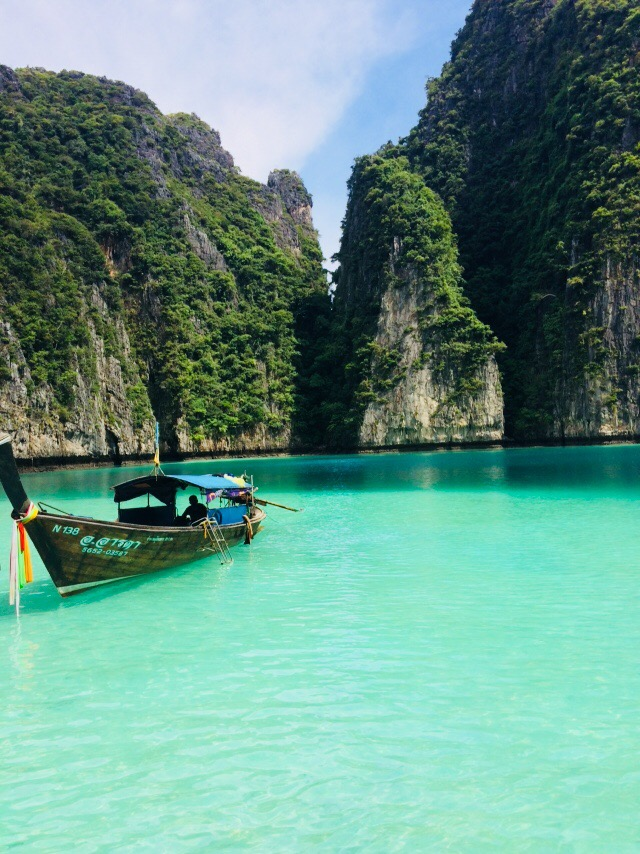 Phi Phi island overnight stay Maya lagoon, where to stay in koh phi phi, where to stay in phi phi island, best place to stay in phi phi island, where to stay in phi phi, koh phi phi where to stay, where to stay phi phi, should i stay in phi phi for one night, how much time to spend in Phi Phi