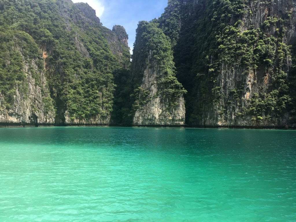 Phi Phi island overnight stay Maya bay