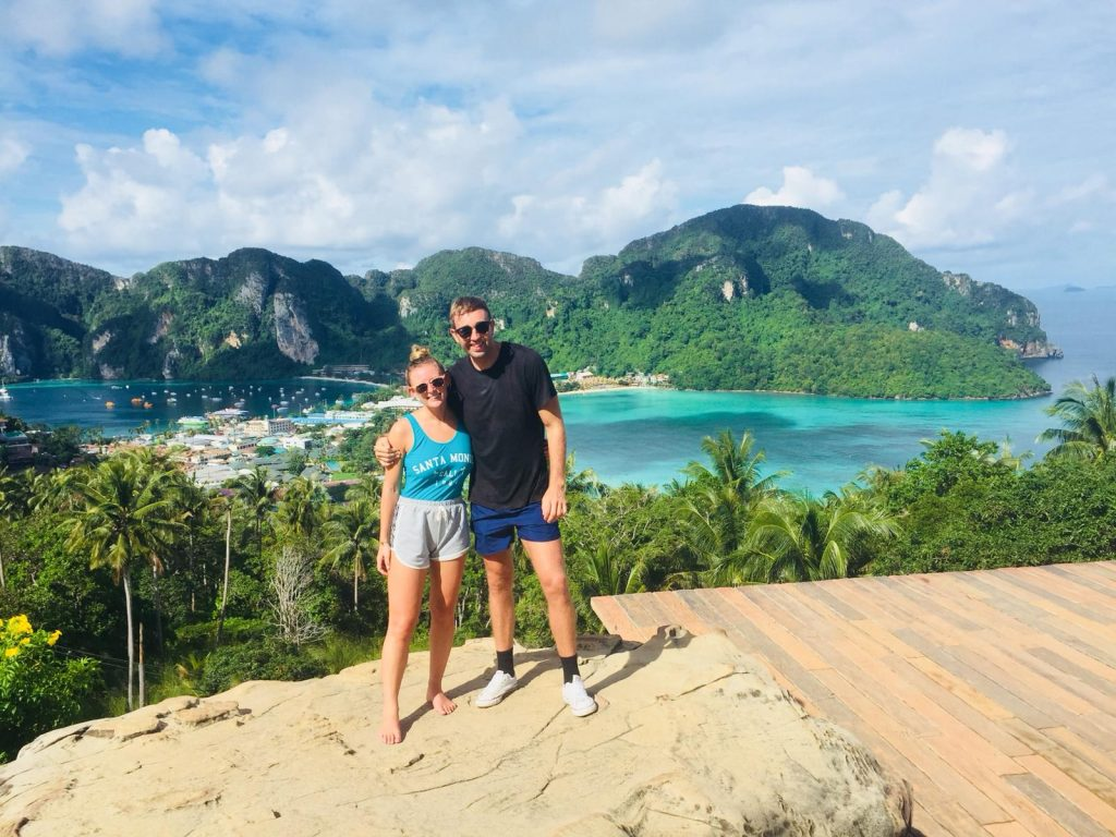 Hike viewpoint Phi Phi