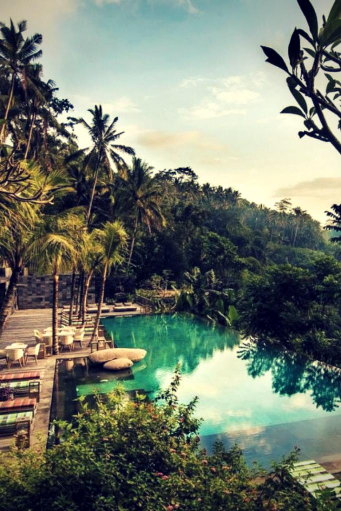 the amazing swimming pool in Bali, Chapung Sebali, hanging gardens of Bali