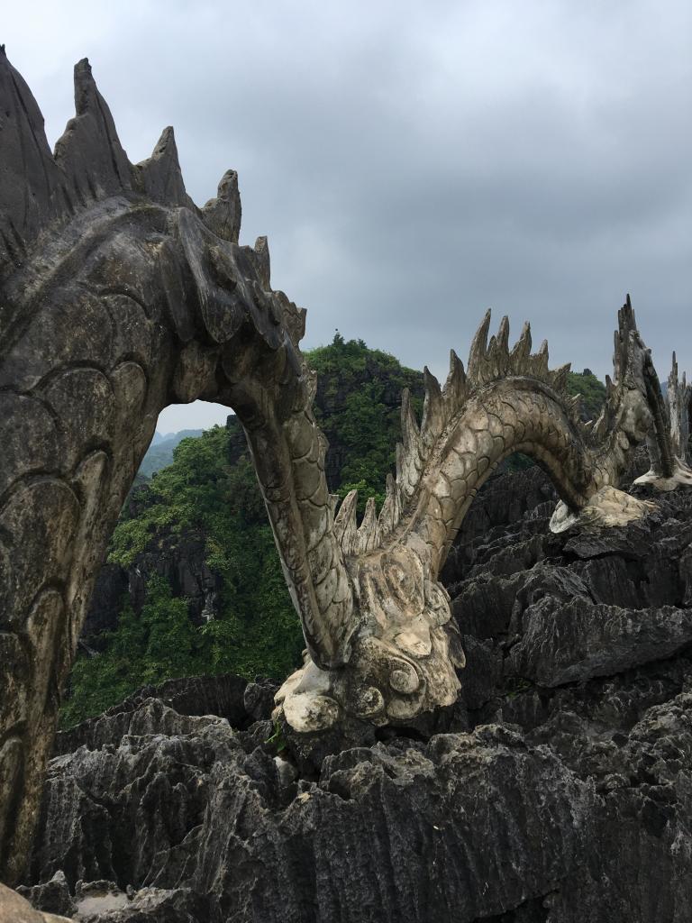 hang mua sunrise, hang mua entrance fee, The awesome Hang Mua cave dragon