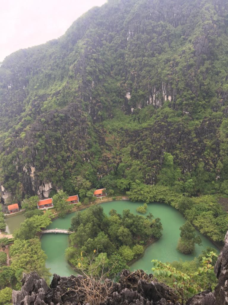 hang mua in Ninh Binh, the Hang mua cave, tam coc hang mua cave, Ninh Binh hang mua dragon mountain