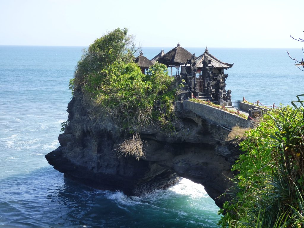 exploring the tanah lot beach
