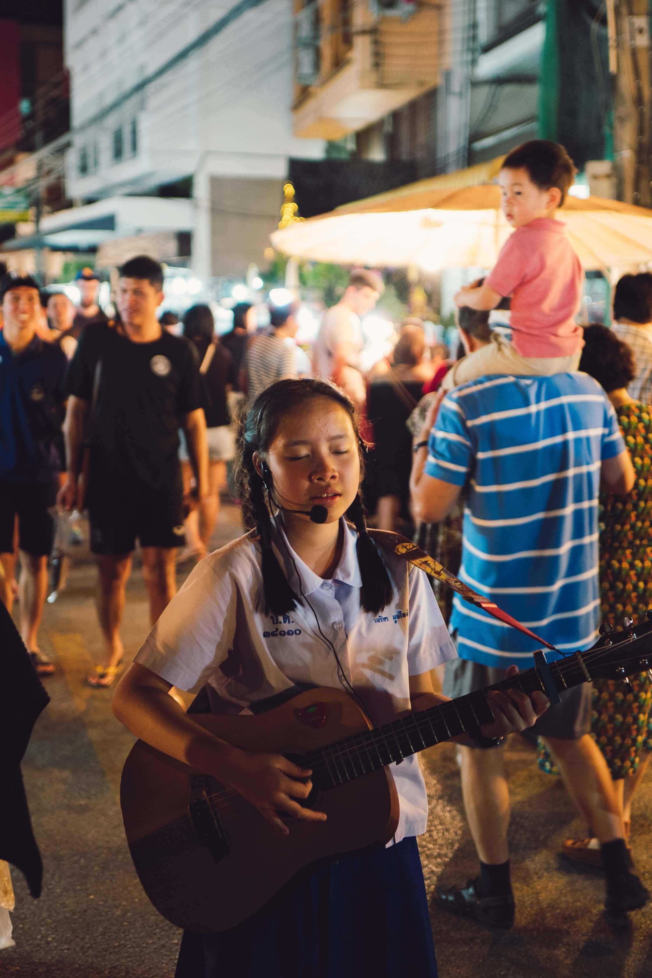 the amazing night market in Chiang Mai, bizarre night market