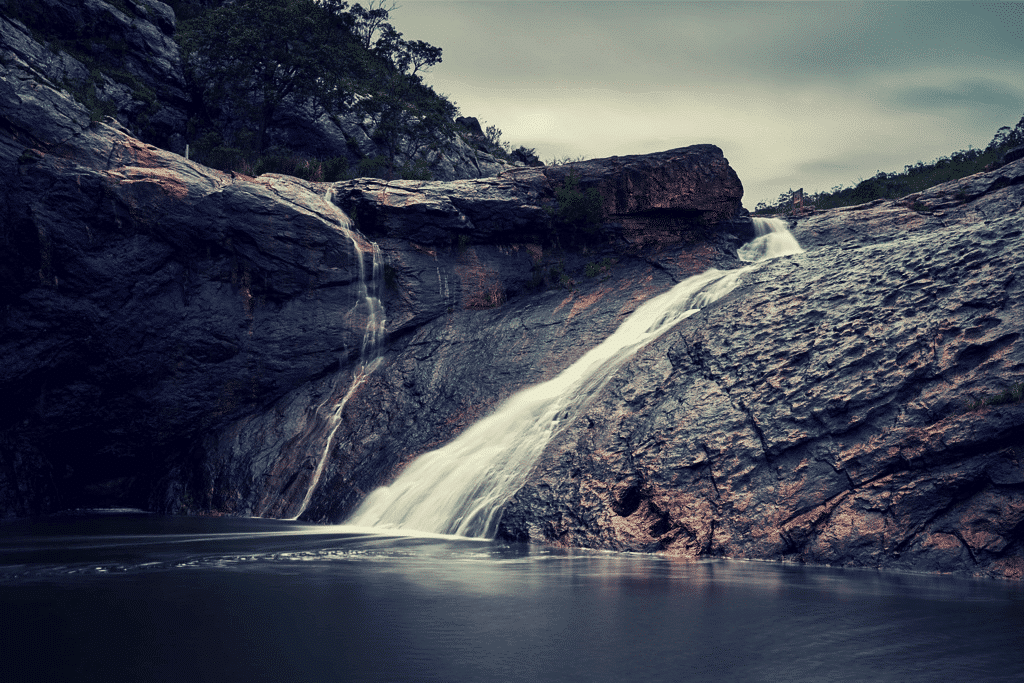 hike to serpentine falls and swimming