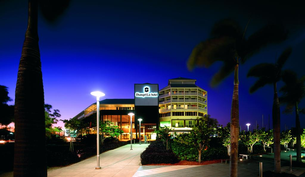 where to stay in Cairns