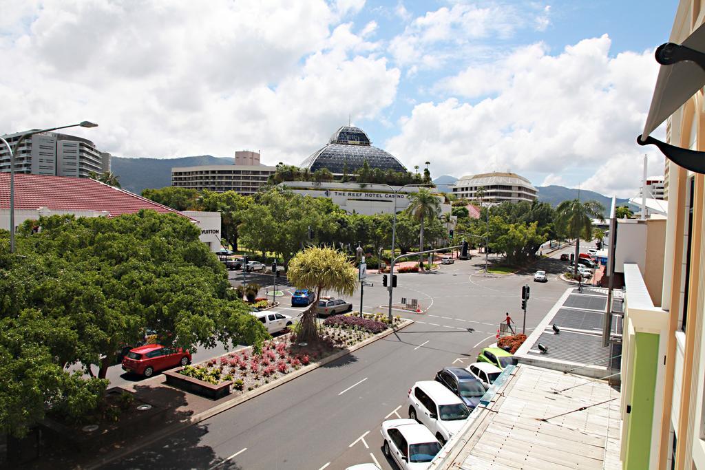 cairns 5 star resort accommodation