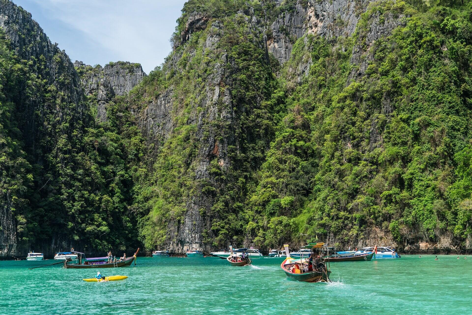 phuket to phi phi ferry schedule