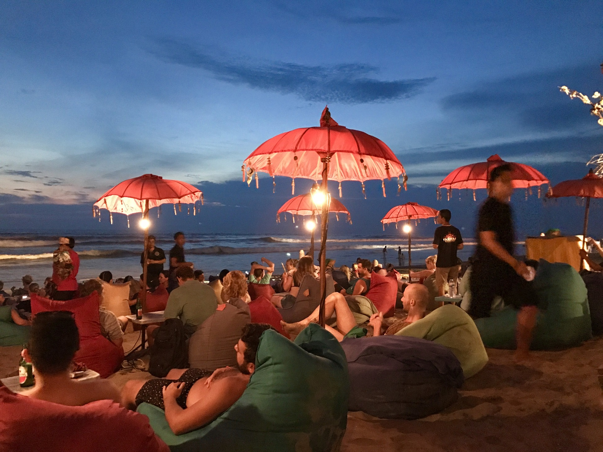 seminyak nightlife beach party