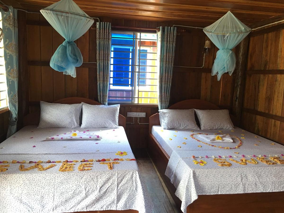 bed and breakfast romantic room Koh Rong