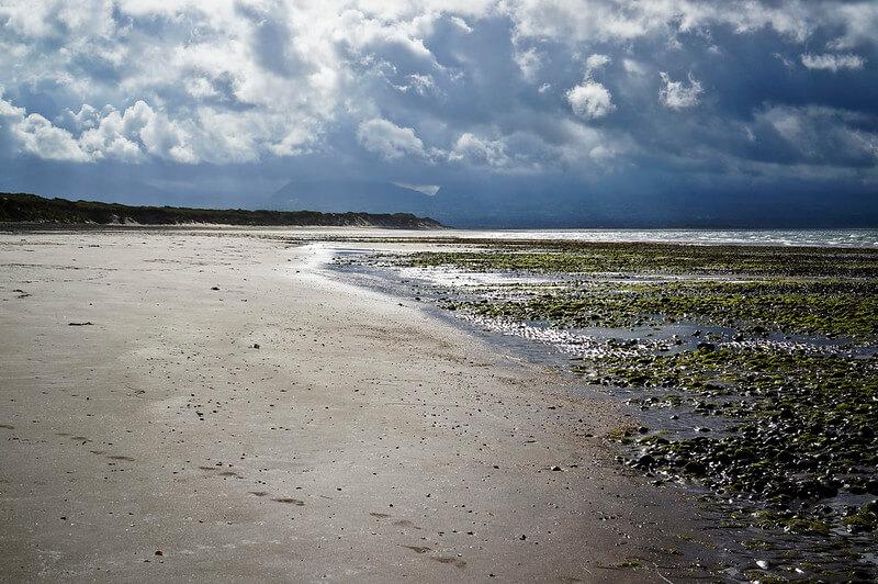 Newborough beach tide times to visit