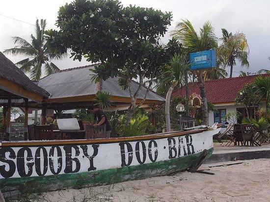 best beach bars nusa lembongan