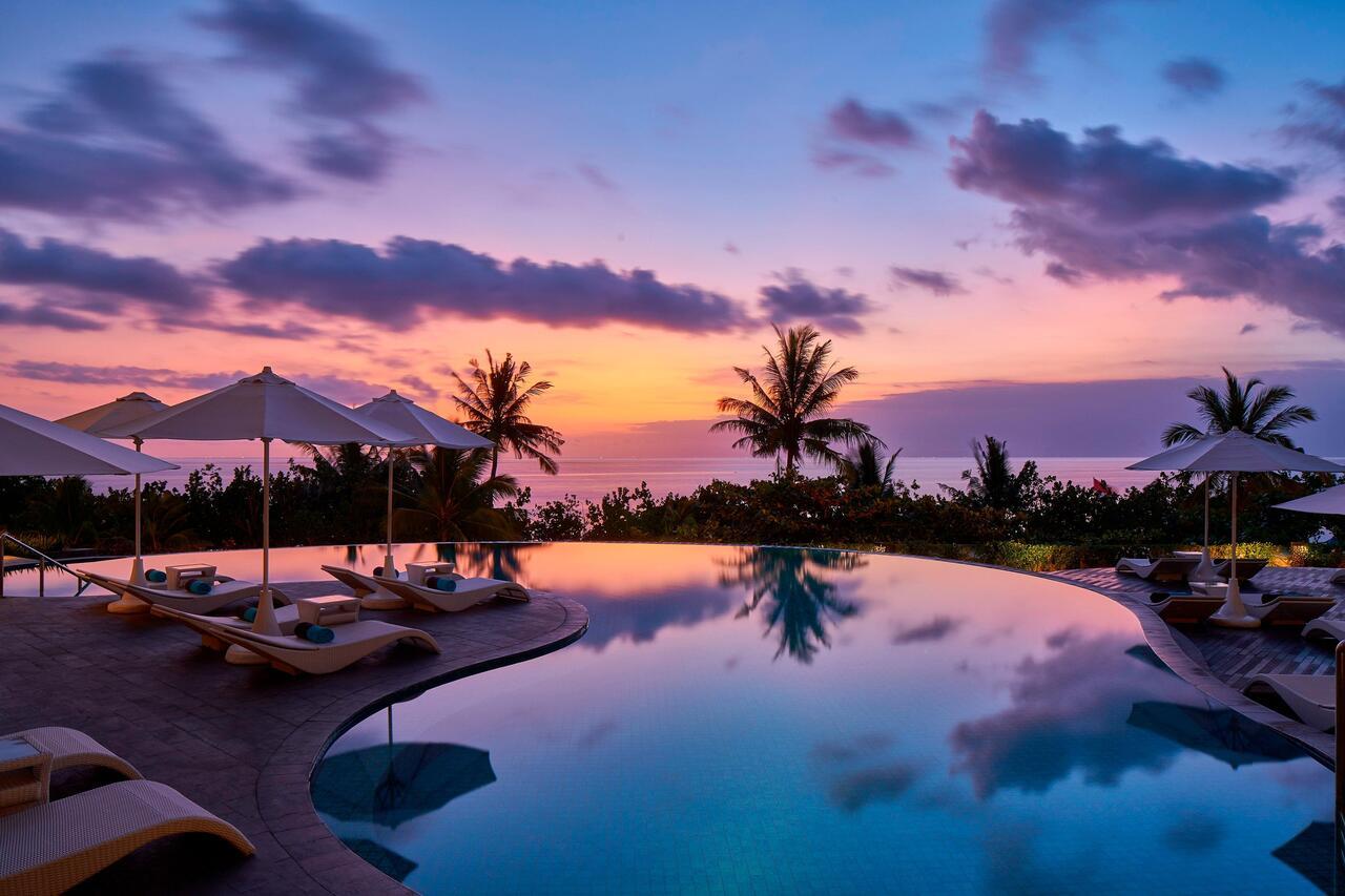 romanitc Sheraton Bali Kuta Resort