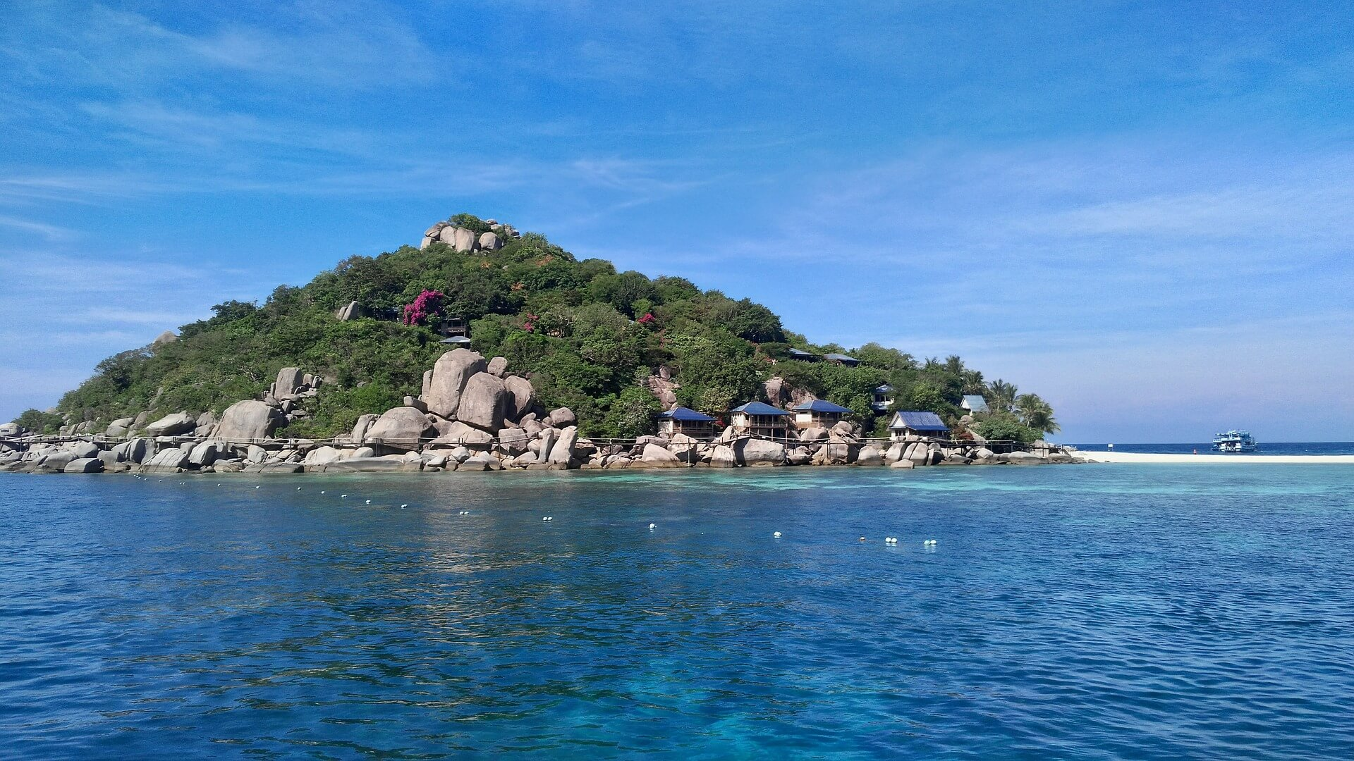 Things Expect in Koh Nang Yuan viewpoint and beach