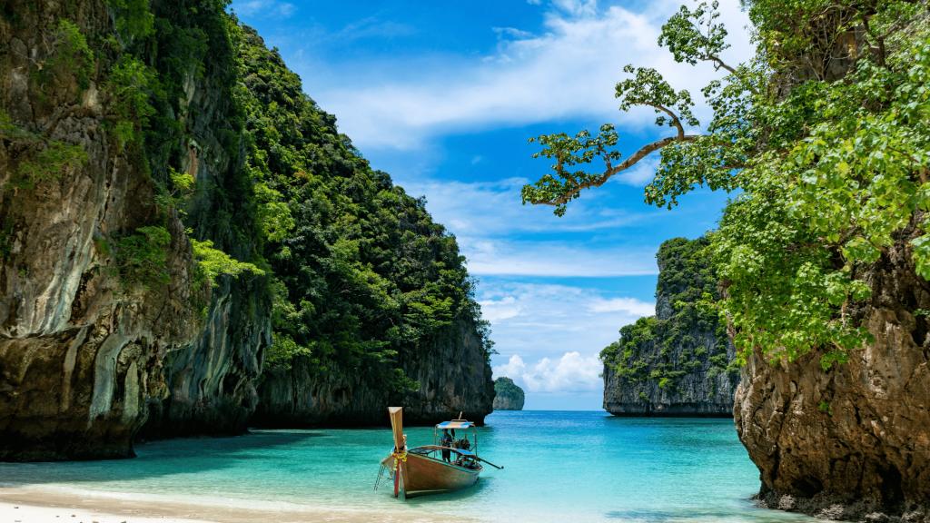 phi phi island tour guide